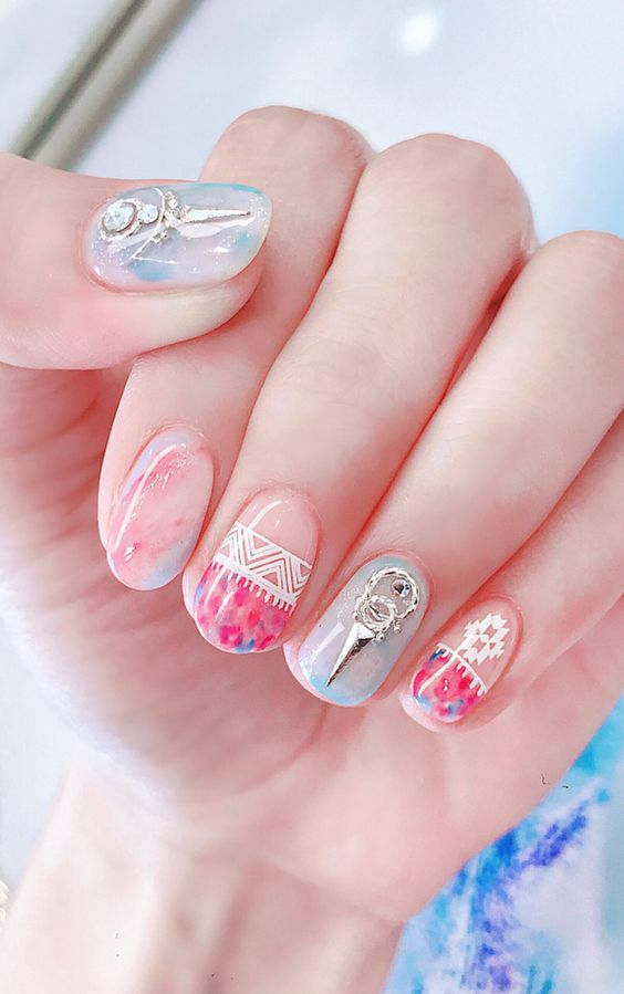 THE LATEST NAIL ART PICTURES THIS YEAR