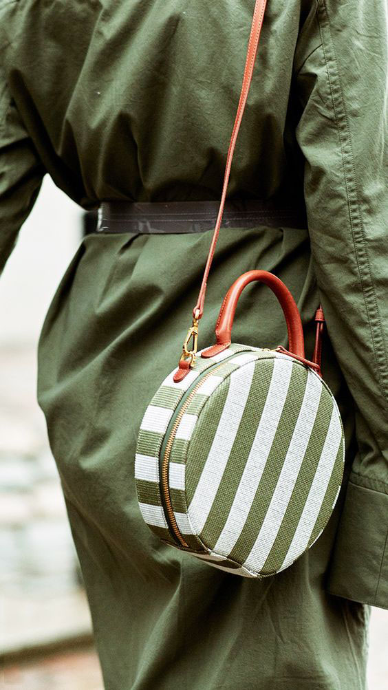 A VARIETY OF THE MOST FASHIONABLE AND VERSATILE LADIES BAGS